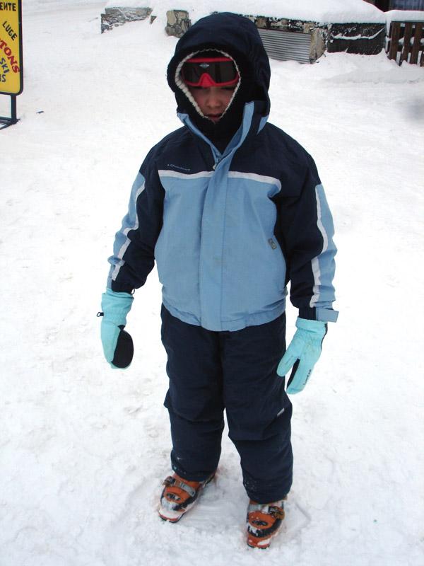 Adam adore faire du ski